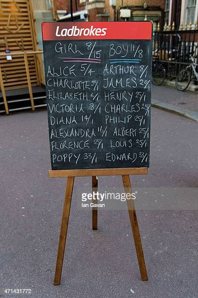 A chalkboard displays the odds on Royal baby names outside the Lindo Wing at St Mary's Hospital on April 28 2015 in London England Catherine Duchess...