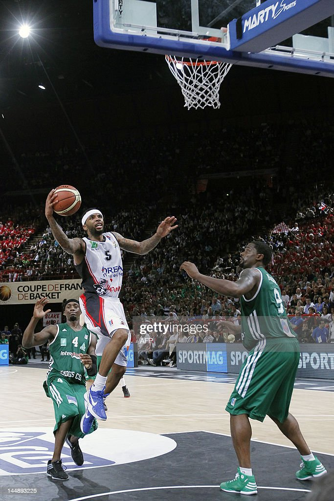 Chalon'sur-Soane's Malcolm Delaney (C) t : News Photo
