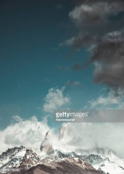 chalten in patagonia - chalten stock pictures, royalty-free photos & images