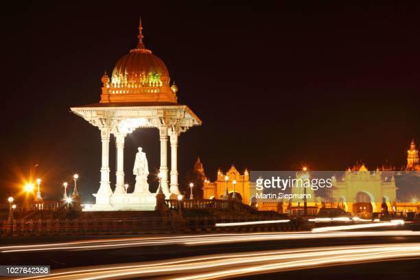 chamaraja circle, mysore, karnataka, south india, india, south asia - mysore - fotografias e filmes do acervo