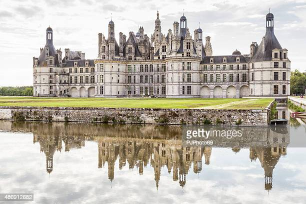 chambord castle - loire - france - pjphoto69 stock pictures, royalty-free photos & images