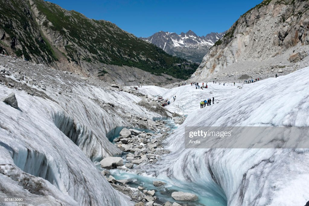 The valley glacier 'Mer de Glace' (Sea of Ice). : News Photo