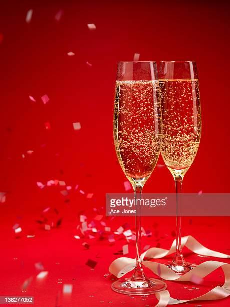 Champagne and confetti background (XXXL)