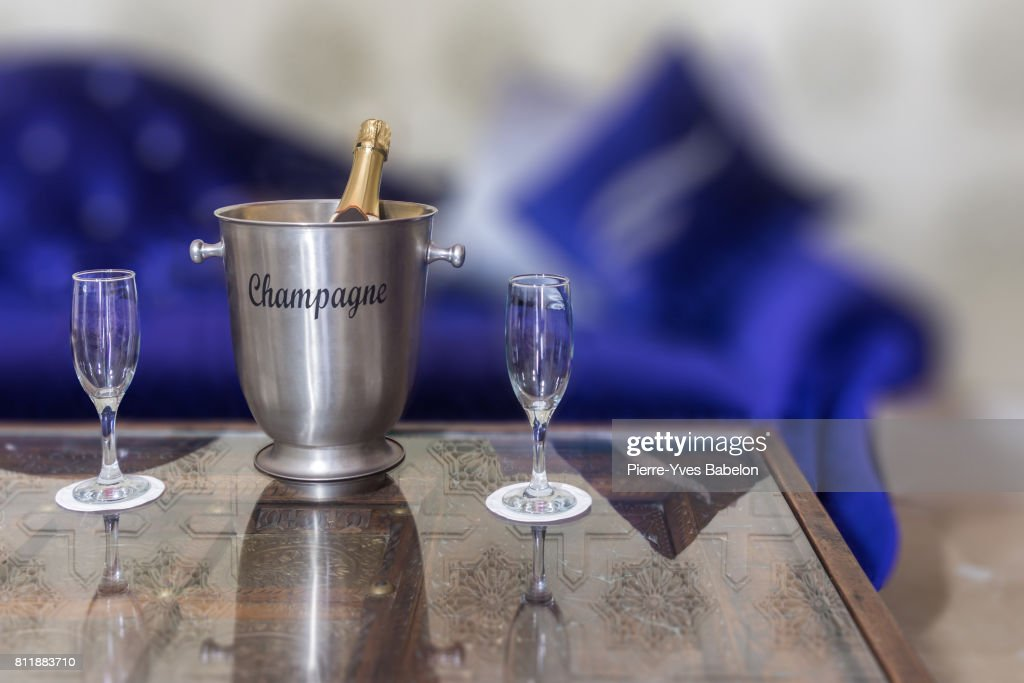 Champagne bucket : Stock Photo