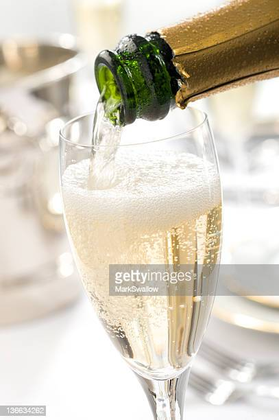 champagne pour - champagne stock pictures, royalty-free photos & images