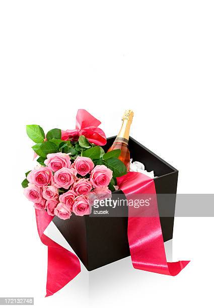 Champagne Gift Box with Boquete of Roses