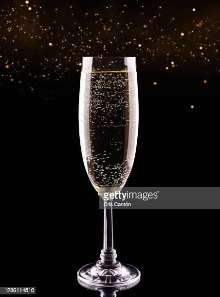 champagne glass - cris cantón photography fotografías e imágenes de stock