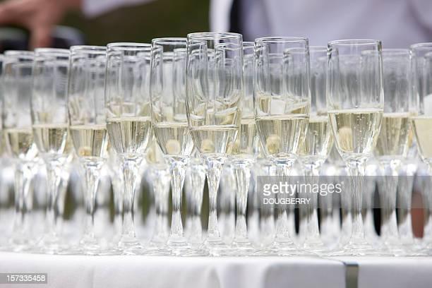 Copas de champaña en una boda