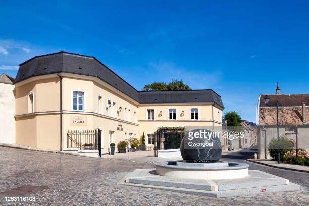 シャンパーニュ ハウス ラリエ in a - マルヌ県 ストックフォトと画像