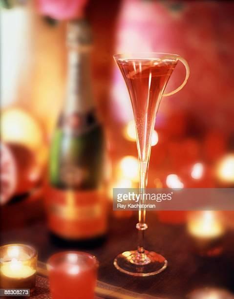 Champagne kir royale
