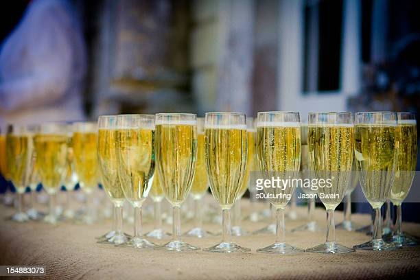 champagne reception - s0ulsurfing stock pictures, royalty-free photos & images