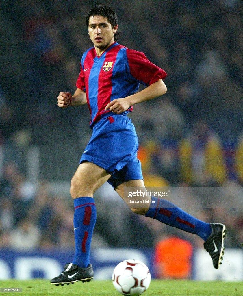 Fussball: CL 02/03, FC Barcelona - Bayer 04 Leverkusen 2:0 : News Photo