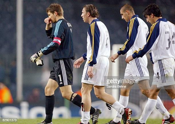Champions League 02/03 Barcelona FC Barcelona Bayer 04 Leverkusen 20 Enttaeuschung beim Team Leverkusen