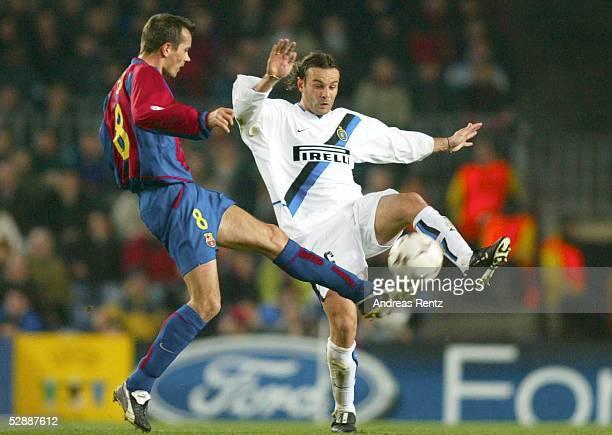 Champions League 02/03 Barcelona FC Barcelona Inter Mailand 30 Phillip COCU/Barcelona Cristiano ZANETTI/Inter