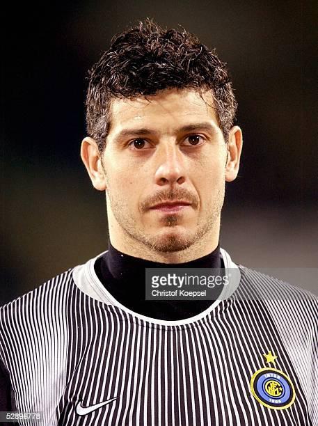 Champions League 02/03 Leverkusen Bayer 04 Leverkusen Inter Mailand 02 Torwart Francesco TOLDO/Inter