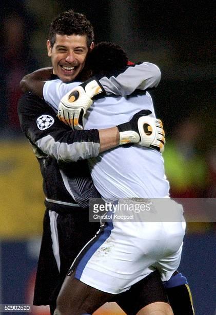 Champions League 02/03 Leverkusen Bayer 04 Leverkusen Inter Mailand 02 Jubel Torwart Francesco TOLDO OBAFERMI/Mailand