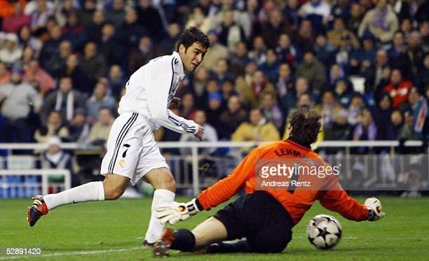 Champions League 02/03 Madrid Real Madrid Borussia Dortmund 21 RAUL/Madrid Torwart Jens LEHMANN/Dortmund