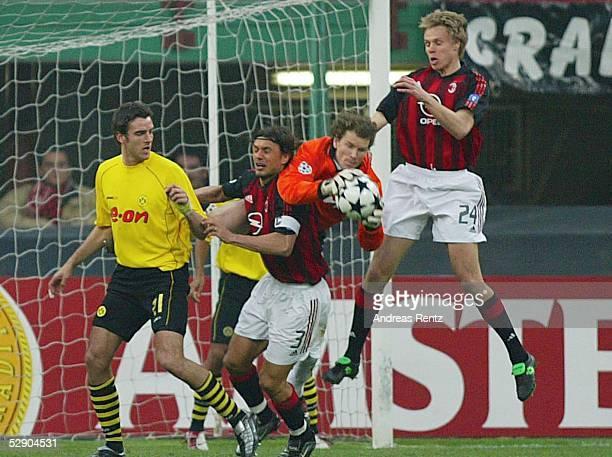 Champions League 02/03 Mailand AC Mailand Borussia Dortmund Christoph METZELDER/Dortmund Paolo MALDINI/Mailand Torwart Jens LEHMANN/Dortmund und...