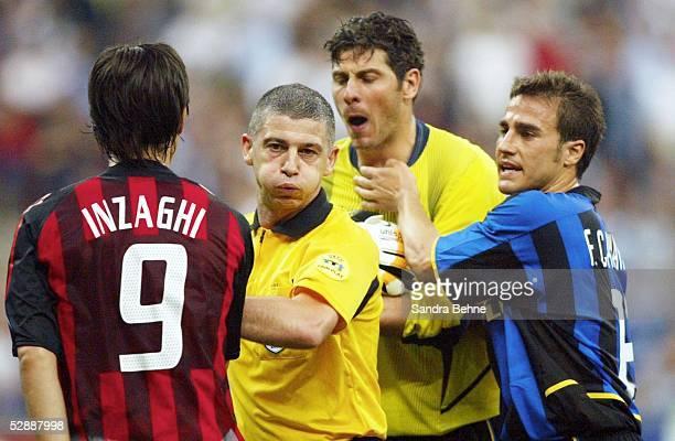 Champions League 02/03 Mailand Inter Mailand AC Mailand 11 Filippo INZAGHI/AC Mailand Schiedsrichter Gilles VEISSIERE Torwart Francesco TOLDO Fabio...