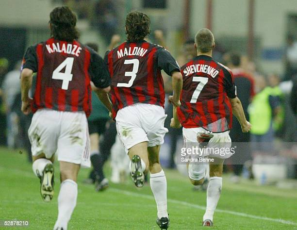 Champions League 02/03 Mailand Inter Mailand AC Mailand 11 Jubel Kakha KALADZE Paolo MALDINI und Andriy SHEVCHENKO/AC Mailand