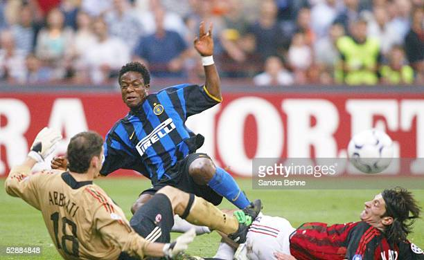 Champions League 02/03 Mailand Inter Mailand AC Mailand 11 Torwart Christian ABBIATI/AC Mailand Mohamed KALLON/Inter Kakha KALADZE/AC Mailand