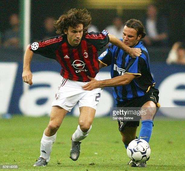 Champions League 02/03 Mailand Inter Mailand AC Mailand Andrea PIRLO/AC Mailand Cristiano ZANETTI/Inter