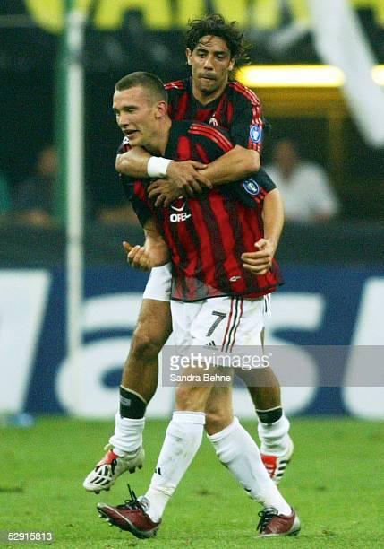Champions League 02/03 Mailand Inter Mailand AC Mailand Jubel nach dem Tor zum 01 durch Andrei SHEVTCHENKO/AC Mailand mit Rui COSTA