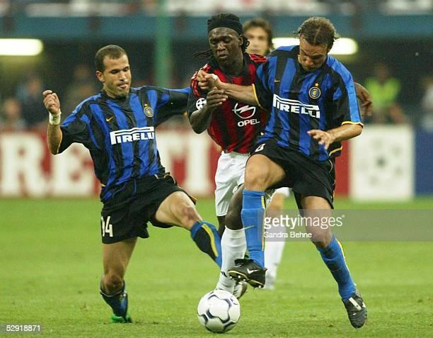 Champions League 02/03 Mailand Inter Mailand AC Mailand Luigi DI BIAGIO/Inter Clarence SEEDORF/AC Mailand Cristiano ZANETTI/Inter