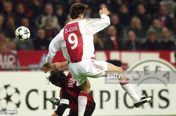 Champions League 02/03 Viertelfinale Amsterdam Ajax Amsterdam AC Mailand Paolo MALDINI/Mailand ZLATAN/Ajax