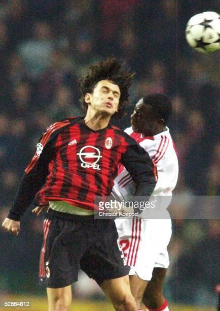 Champions League 02/03 Viertelfinale Amsterdam Ajax Amsterdam AC Mailand Gennaro GATTUSO/Mailand Abubakari YAKUBU/Ajax