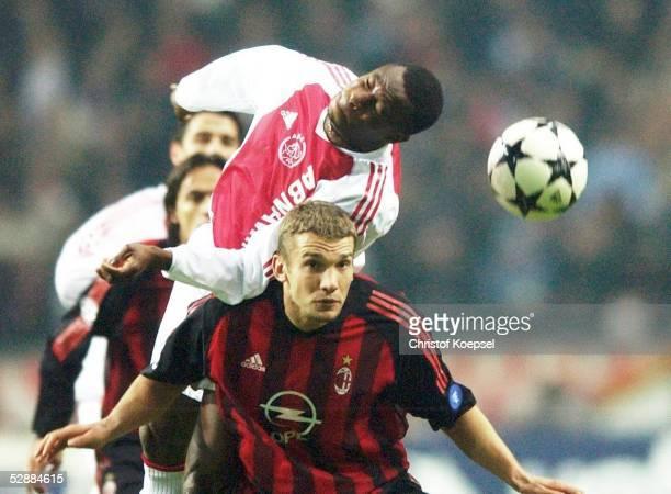 Champions League 02/03 Viertelfinale Amsterdam Ajax Amsterdam AC Mailand Abubakari YAKUBU/Ajax Andriy SHEVCHENKO/Mailand