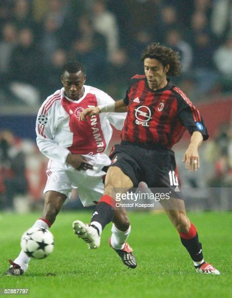 Champions League 02/03 Viertelfinale Amsterdam Ajax Amsterdam AC Mailand Abubakari YAKUBU/Ajax Rui COSTA/Mailand
