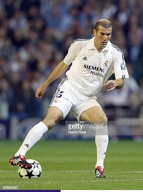 Champions League 02/03 Viertelfinale Madrid Real Madrid Manchester United 31 Zinedine ZIDANE/Madrid