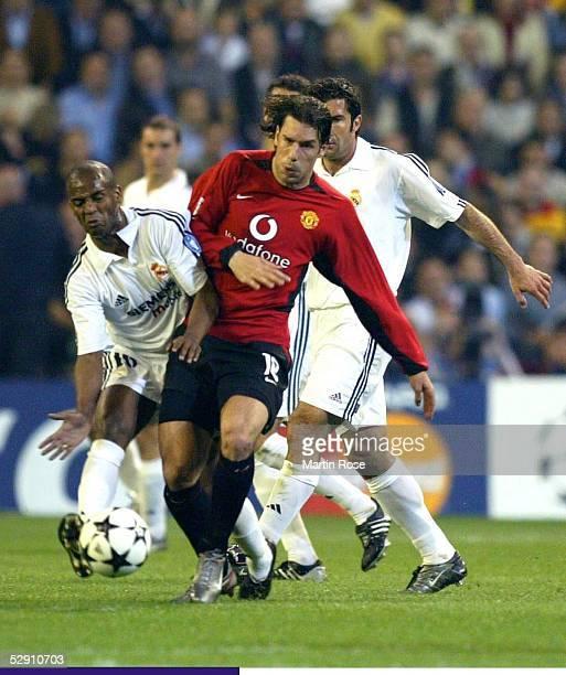 Champions League 02/03 Viertelfinale Madrid Real Madrid Manchester United 31 Claude MAKELELE/Madrid Ruud VAN NISTELROOY/Manchester Luis FIGO