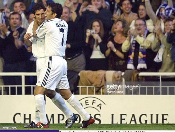 Champions League 02/03 Viertelfinale Madrid Real Madrid Manchester United 31 Luis FIGO RAUL/Madrid