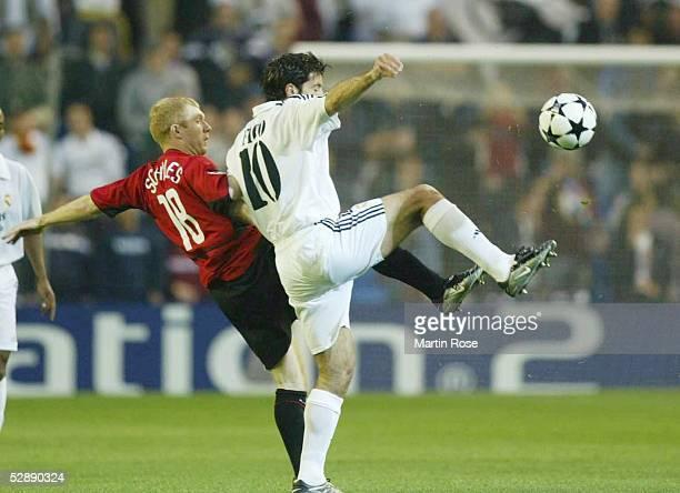 Champions League 02/03 Viertelfinale Madrid Real Madrid Manchester United Paul SCHOLES/Manchester Luis FIGO/Madrid