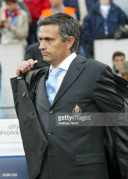 Champions League 03/04 Finale, Gelsenkirchen, 26.05.04; FC Porto - AS Monaco; Trainer Jose Dos Santos MOURINHO/Porto