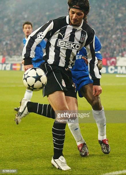 Champions League 03/04 Gelsenkirchen Besiktas Istanbul FC Chelsea 02 Ilhan MANSIZ/Besiktas