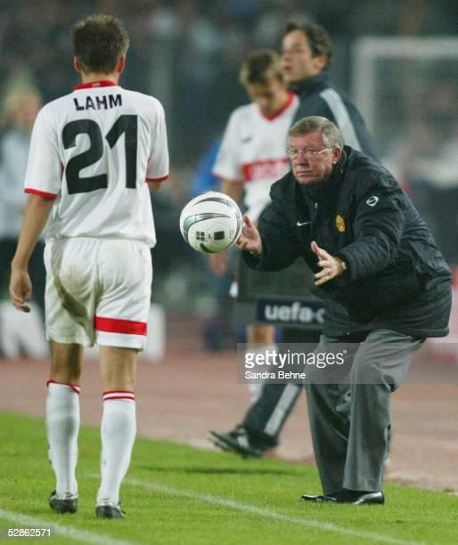 Champions League 03/04 Stuttgart VfB Stuttgart Manchester United Philipp LAHM/Stuttgart Trainer Sir Alex FERGUSON/ManU