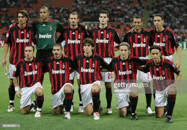 FUSSBALL Champions League 2006/2007 Gruppe H AC Mailand AEK Athen Mannschaftsbild AC Mailand Paolo Maldini Dida Giuseppe Favalli Yoann Gourcuff Cafu...