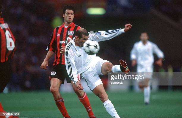 Real Madrid vs Bayer Leverkusen 21 Zinedine Zidane scoring the winning goal to make it 21 Real claimed the European Championship