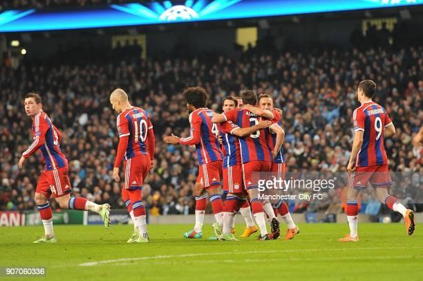 Champions League Group E Manchester City v Bayern Munich Bayern Munich players celebrate Xabi Alonso's equalising goal