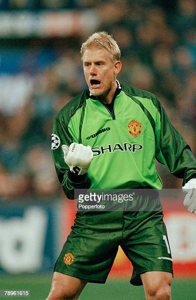 UEFA Champions League Quarter Final 2nd Leg in Milan pic 17th March 1999 Inter Milan 1 v Manchester United 1 Peter Schmeichel Manchester United