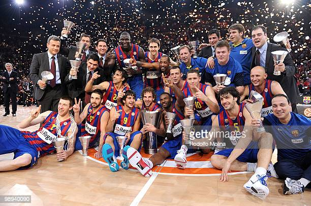 Champions Regal FC Barcelona pose for a team photo during the 2009-2010 Euroleague Basketball Champion Awards Ceremony at Bercy Arena on May 9, 2010...