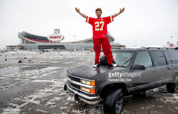 AFC Championship tickets are awaiting David Cochran who stopped to help the Chiefs' Jeff Allen when Allen's vehicle got stuck in the snow on Saturday...