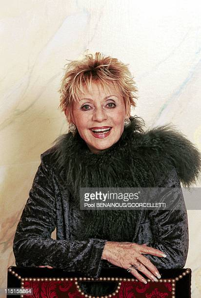 Champs Elysees landmark restaurant Le Fouquet's celebrates 100th anniversary in Paris France on November 08 1999 Annie Cordy