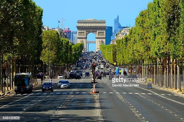 champs elysees street, paris - avenue des champs elysees stock pictures, royalty-free photos & images