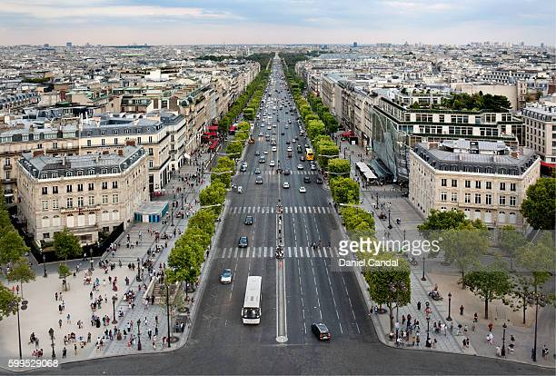 champs-élysées aerial view, paris (france) - champs elysees quarter stock pictures, royalty-free photos & images
