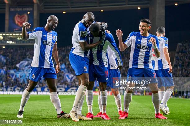 Chancel Mbemba of FC Porto celebrates with his team mates after scoring his team's first goal during the Liga Nos match between FC Porto and Rio Ave...