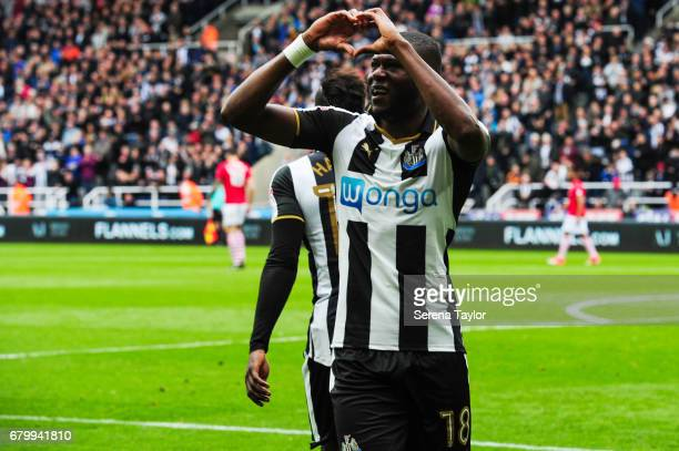 Chancel Mbemba of Newcastle United celebrates after scoring Newcastle's second goal during the Sky Bet Championship Match between Newcastle United...
